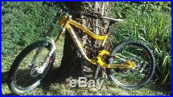 2014 Nukeproof Scalp. Mens downhill mountain bike. Size Large