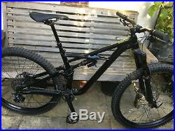 2018 Specialized Enduro Comp 29 Medium Gloss Black/Hyper Near Mint Condition