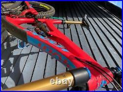 2019 Pivot Firebird 27.5 Ex-Pivot Factory Racing Enduro Mountain Bike L, 170mm