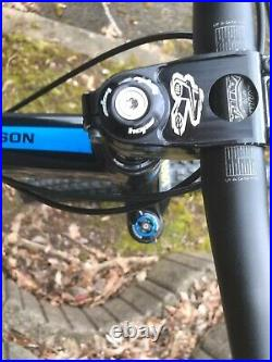 Absolutely Stunning Santa Cruz Bronson Custom Build. Dh Trail, XC Freeride, Enduro