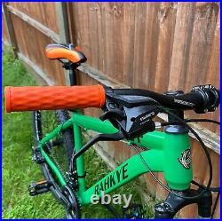 BRAND NEW Rahkye Mountain Bike/Bicycle Matte Green 26 Front Suspension