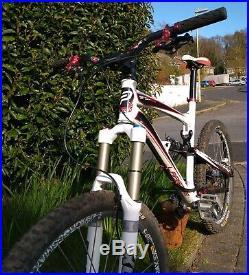 Lapierre Spicy 916 Large White Enduro Full Suspension Mountain Bike