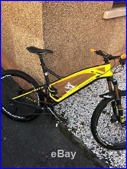 Mens carbon mountain bike