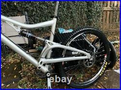Santa Cruz Heckler Full Suspension Mountain bike Large Frame