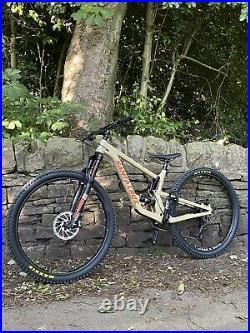 Santa Cruz Hightower V2 Medium Mountain Bike