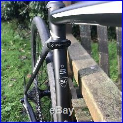 Specialized Roubaix Future Shock Disc 56cm Mens Bike Mint Condition