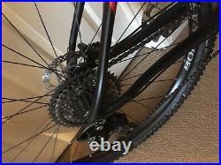 Trek Procaliber 8 Xc Hardtail Mountain Bike Size M/l Black And Red Carbon Cranks