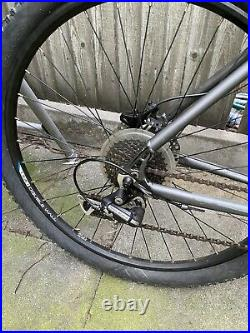 Voodoo Marasa Mens Hybrid Mountain Bike Bicycle 20 Black