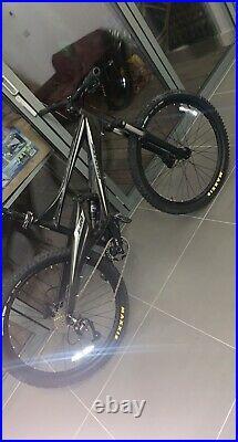 Whyte E-120 full suspension mountain bike carbon fibre frame, 27.5 wheels